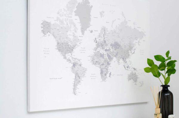 Pinnwand-WeltKarte-Weiß