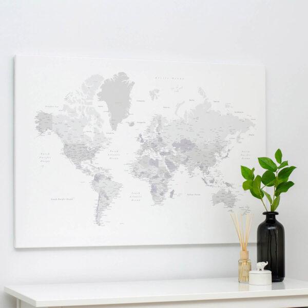 Welt-Pinnwand-Karte-Weiß-Hellgrau