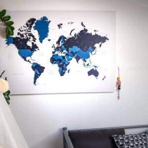 Kunstdruck-Pinnwand-weltkarte-marine-blau