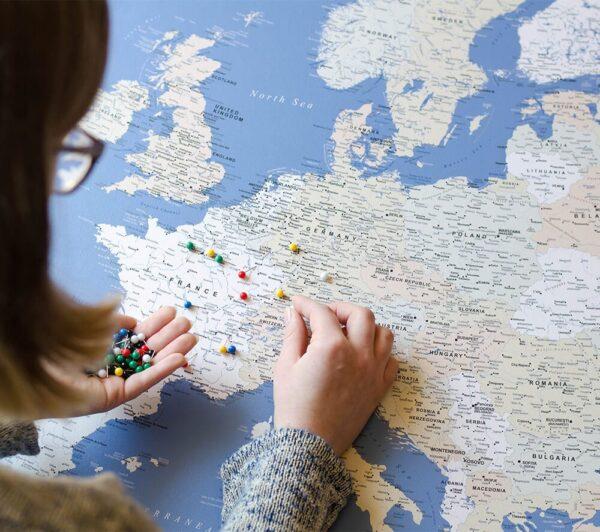 LEINWAND-Europakarte-Pinnwand-Blau