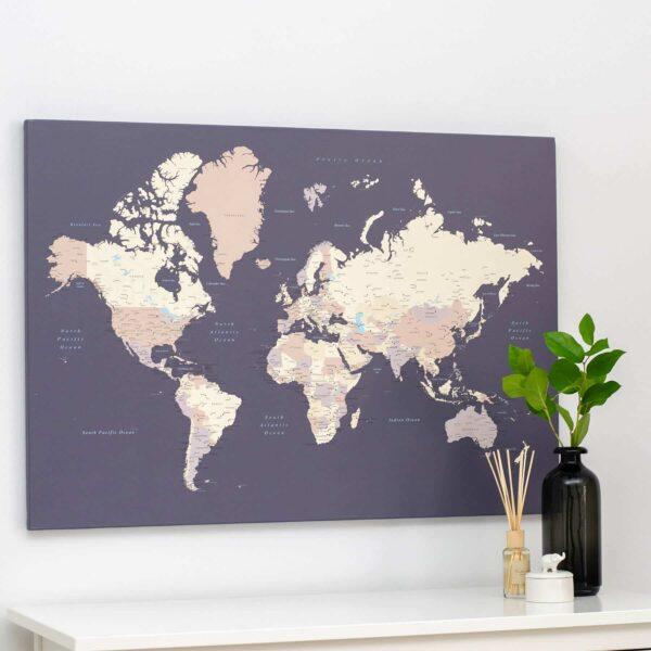 Welt-Pinnwand-Karte-Lila
