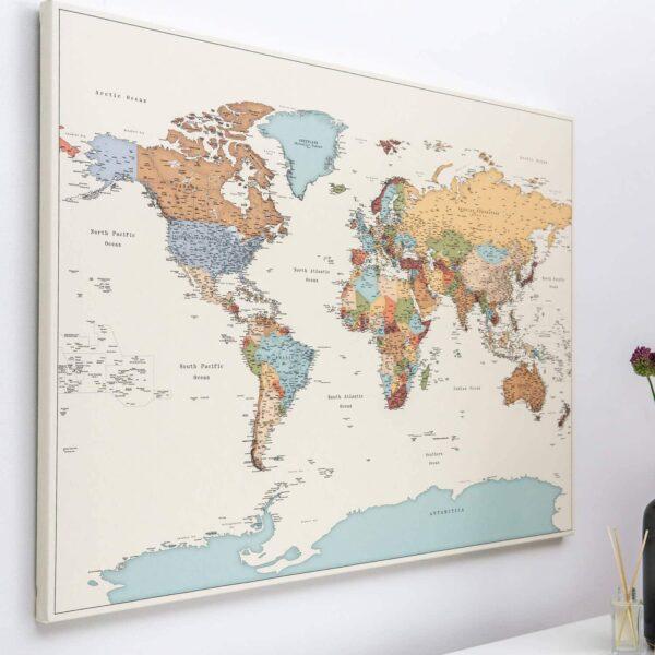 Pinnwand Weltkarte – Bunte