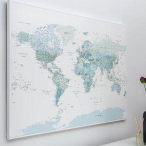 Physisch-Karte-auf-Leinwand-mit-Pins-himmelblau