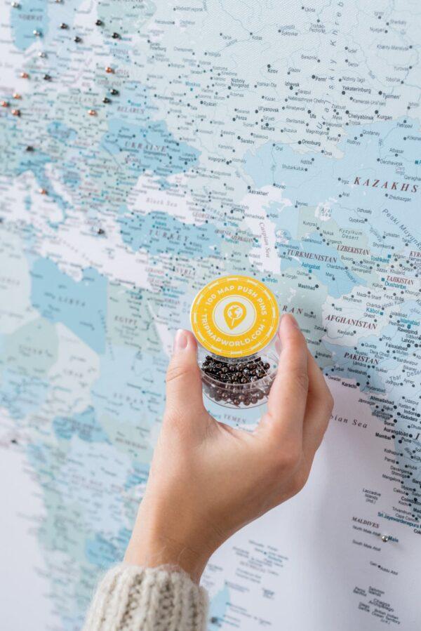 Pinnwand Weltkarte zum pinnen Himmelblau