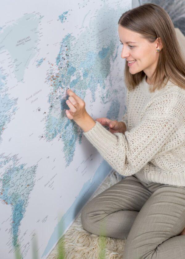 Pinnwand Weltkarte Himmelblau