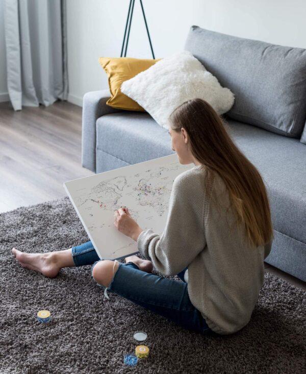 reisekarte-Kunstdruck-Pinnwand-Weiß